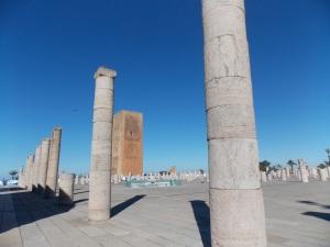 La-tour-Hassan-et-les-piliers-en-ruine