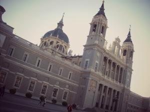 madrid-a-l-une-des-plus-belles-cathedrales-du-pays