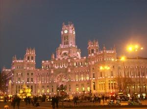 le-palacio-cibeles-a-madrid-est-un-des-plus-beaux-monuments-de-la-ville