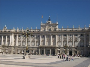 le-palais-royal-de-madrid-est-une-des-principales-attractions