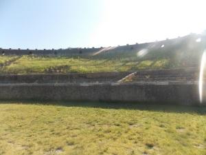 a-l-interieur-de-l-amphitheatre-de-pompéi