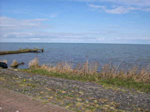 Marken-est-un-village-perdu-dans-la-mer-pres-d-amsterdam