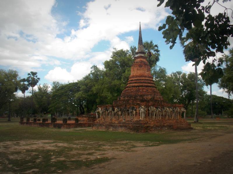 elephants-sukhothai