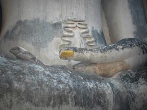 Ongle-main-bouddha-sukhothai