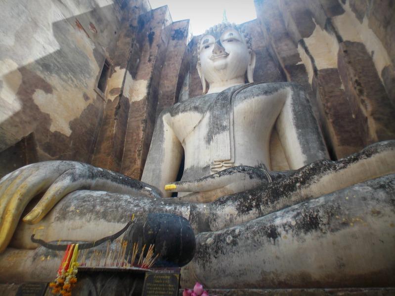 wat-si-chum-sukhothai