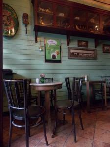 gingerbread-house-bangkok